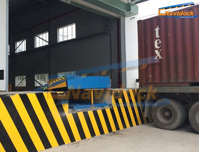 Lắp đặt sàn nâng Navidock tại khu công nghiệp Tân Tạo