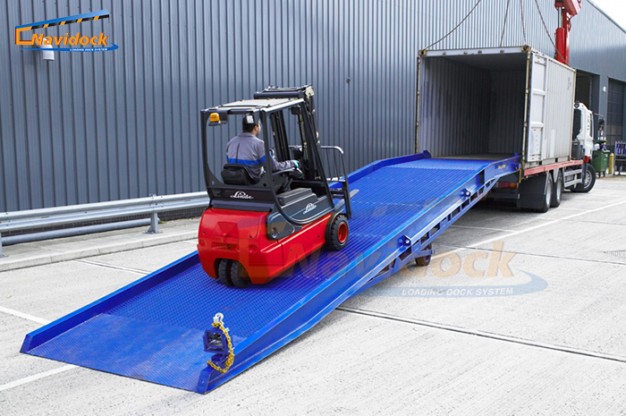 Cầu dẫn container (Mobile Ramp)