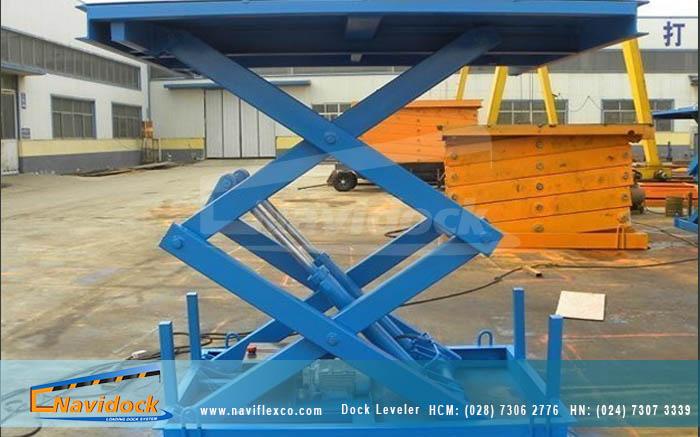 Cầu nâng cắt kéo Navidock được làm bằng thép không gỉ
