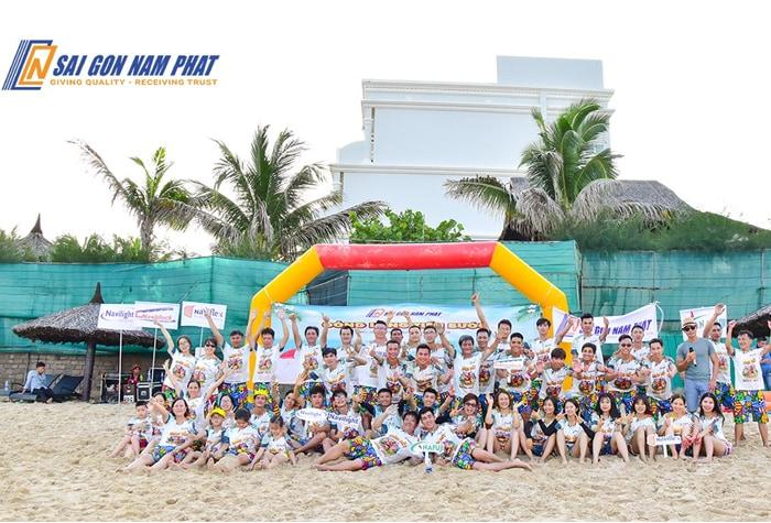 Tập thể công ty Sài Gòn Nam Phát chuppj hình kỉ niệm team building 2019