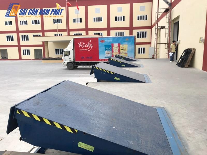 Hệ thống sàn nâng thủy lực Hydraulic Dock Leveler